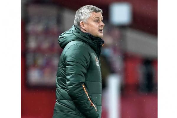 Man Utd delay Ole Gunnar Solskjaer contract talks until summer